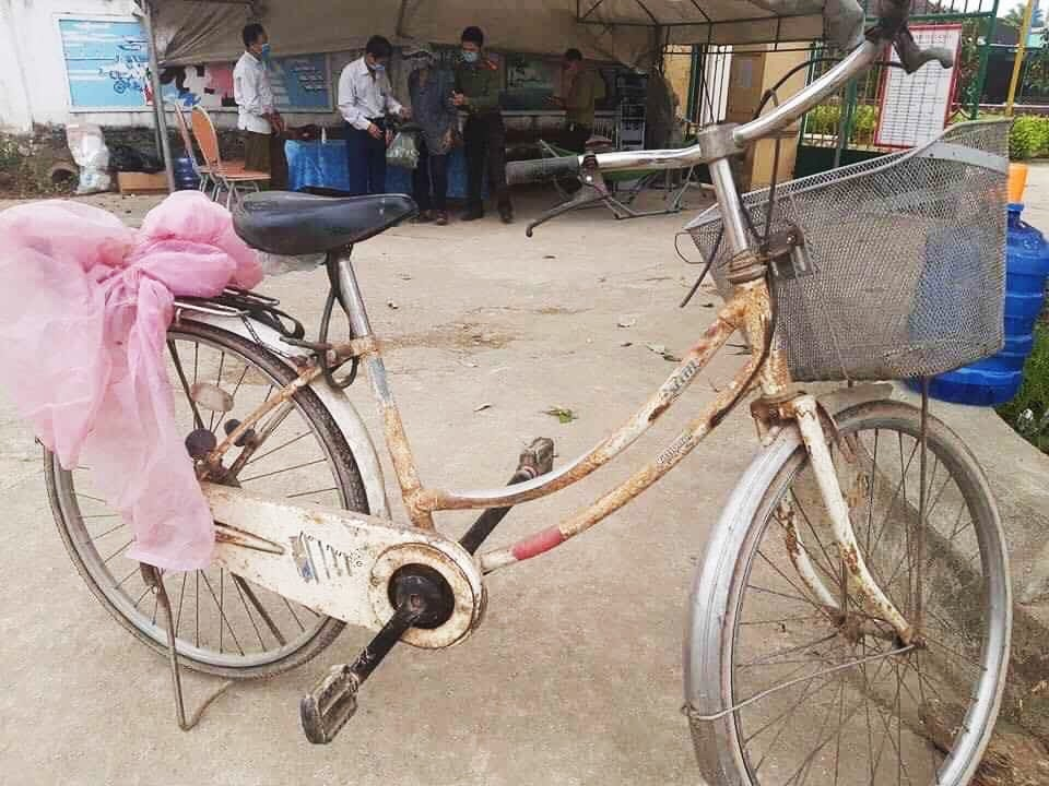 his bicycle