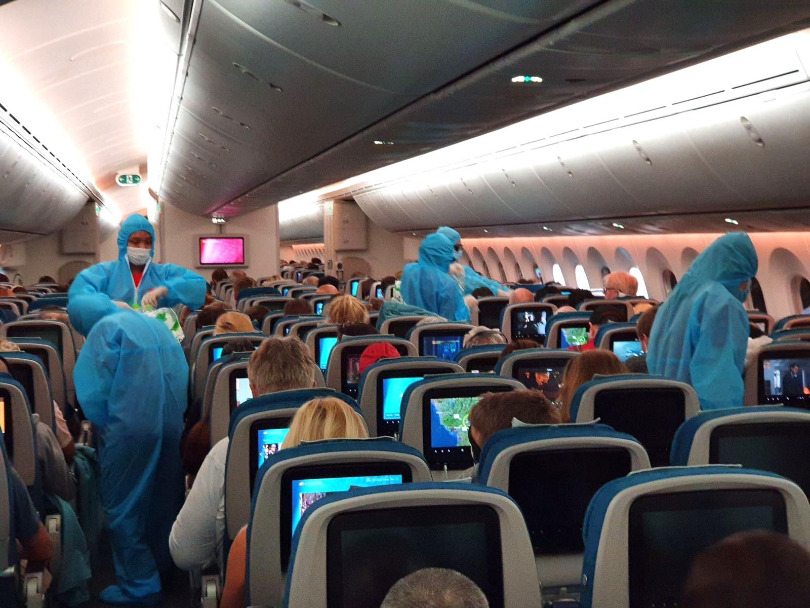 Vietnam airlines flight to Europe cabin