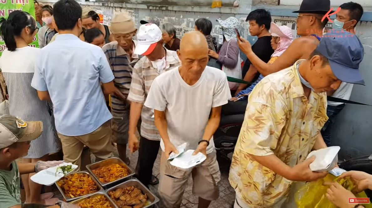 hand out free food to cancer patients