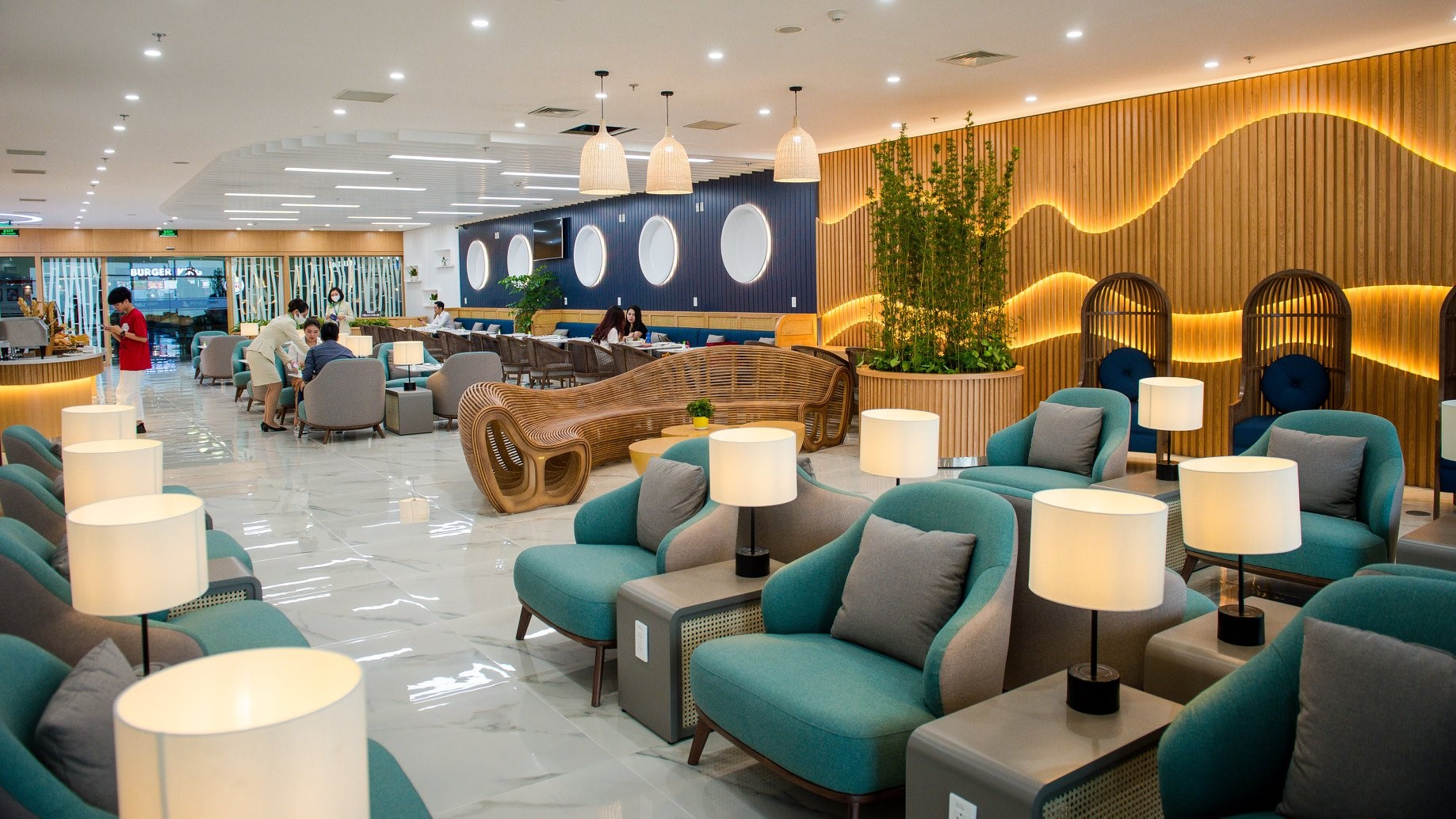 Bamboo Airways business lounge