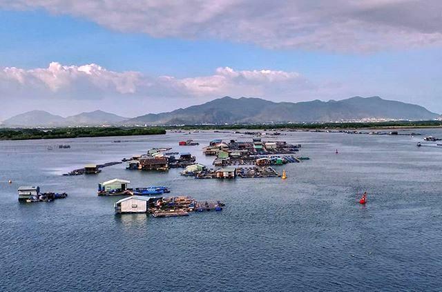 Long Sơn island -