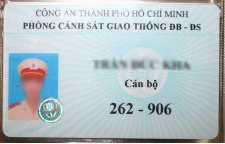 Vietnam traffic rules_green card