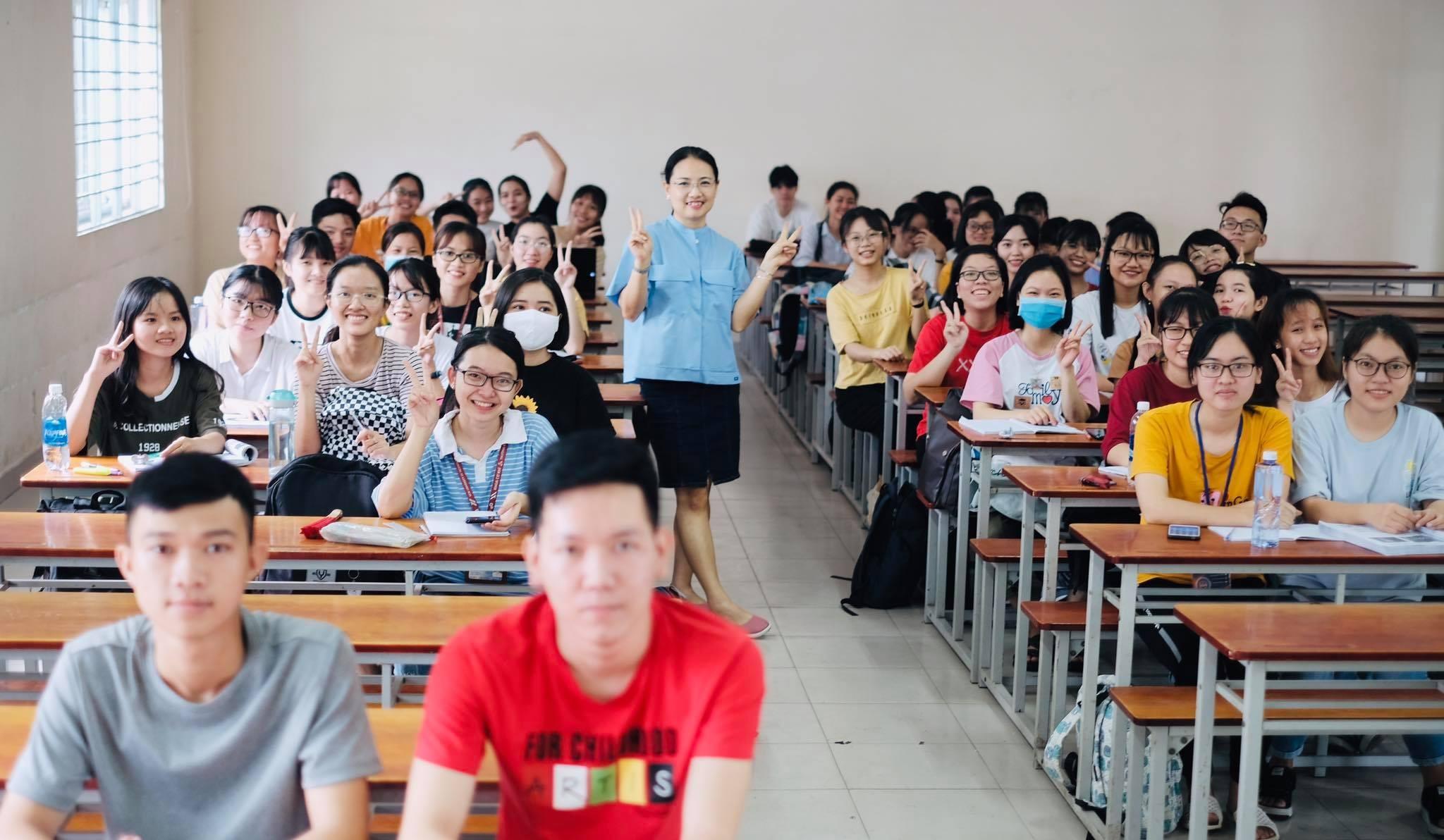 HCMUT students