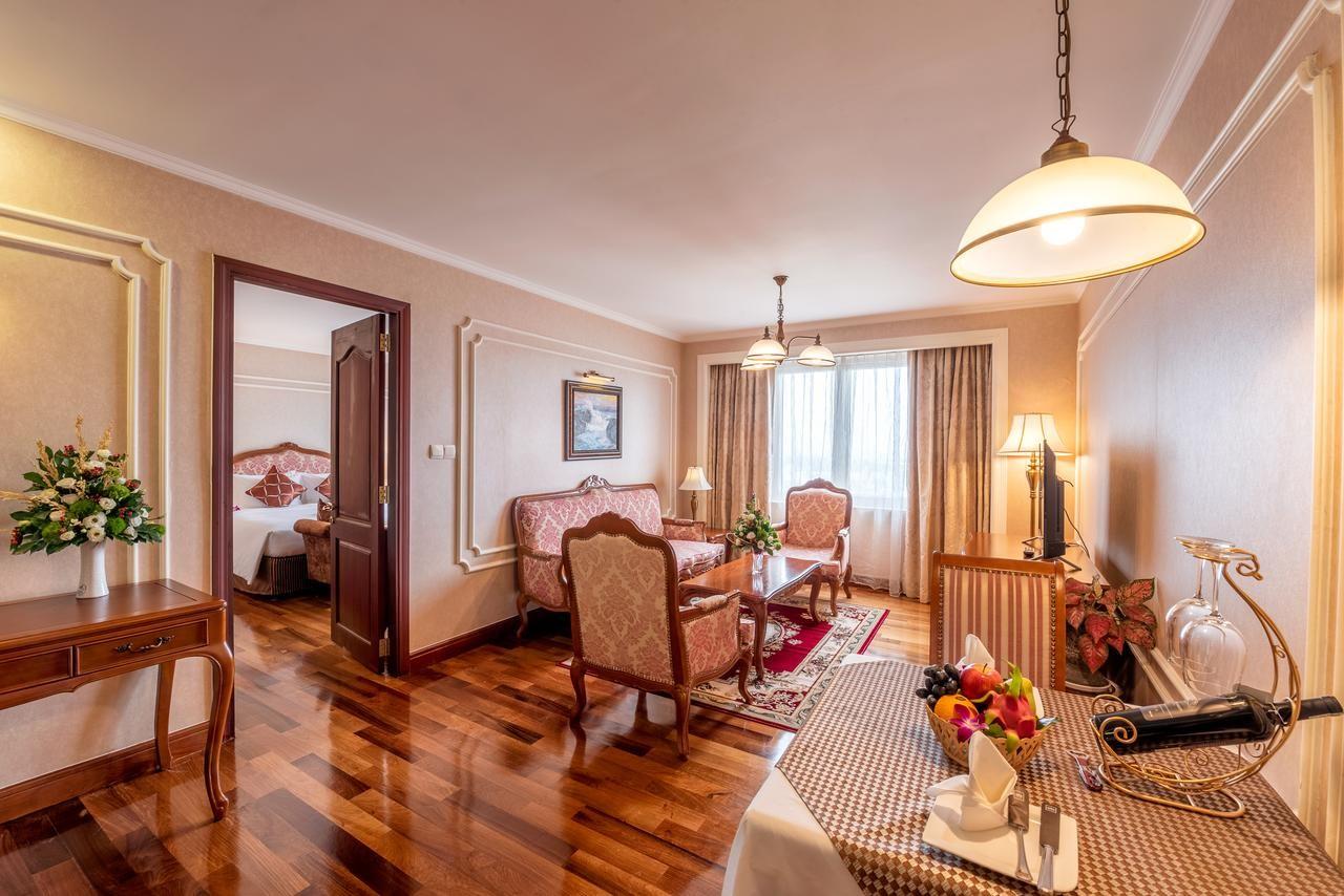 saigon then & now _grand hotel