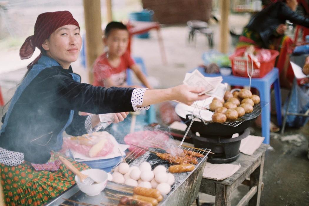 Vietnam market vendor