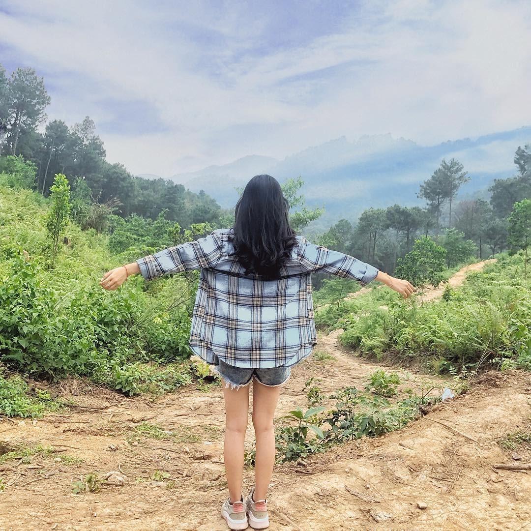 Vietnam natural landscape_Ham Lon mountain