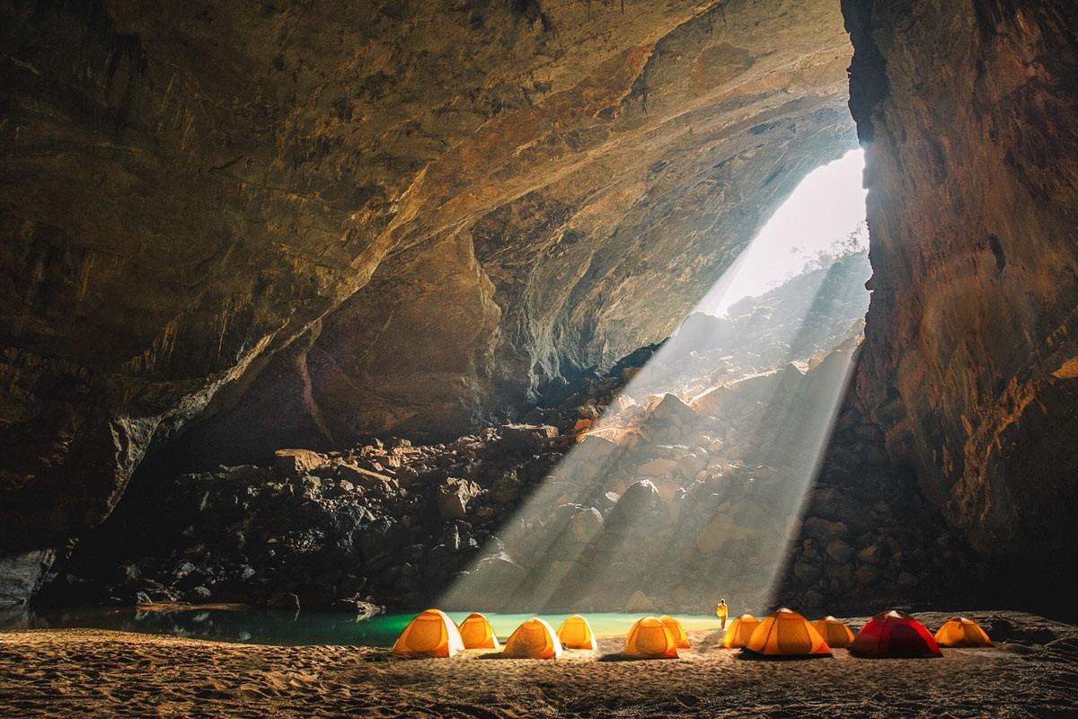 Vietnam natural landscape_Hang En Cave