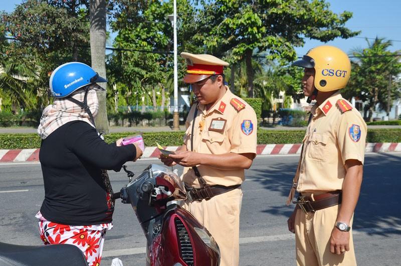 Vietnam traffic rules_greetings