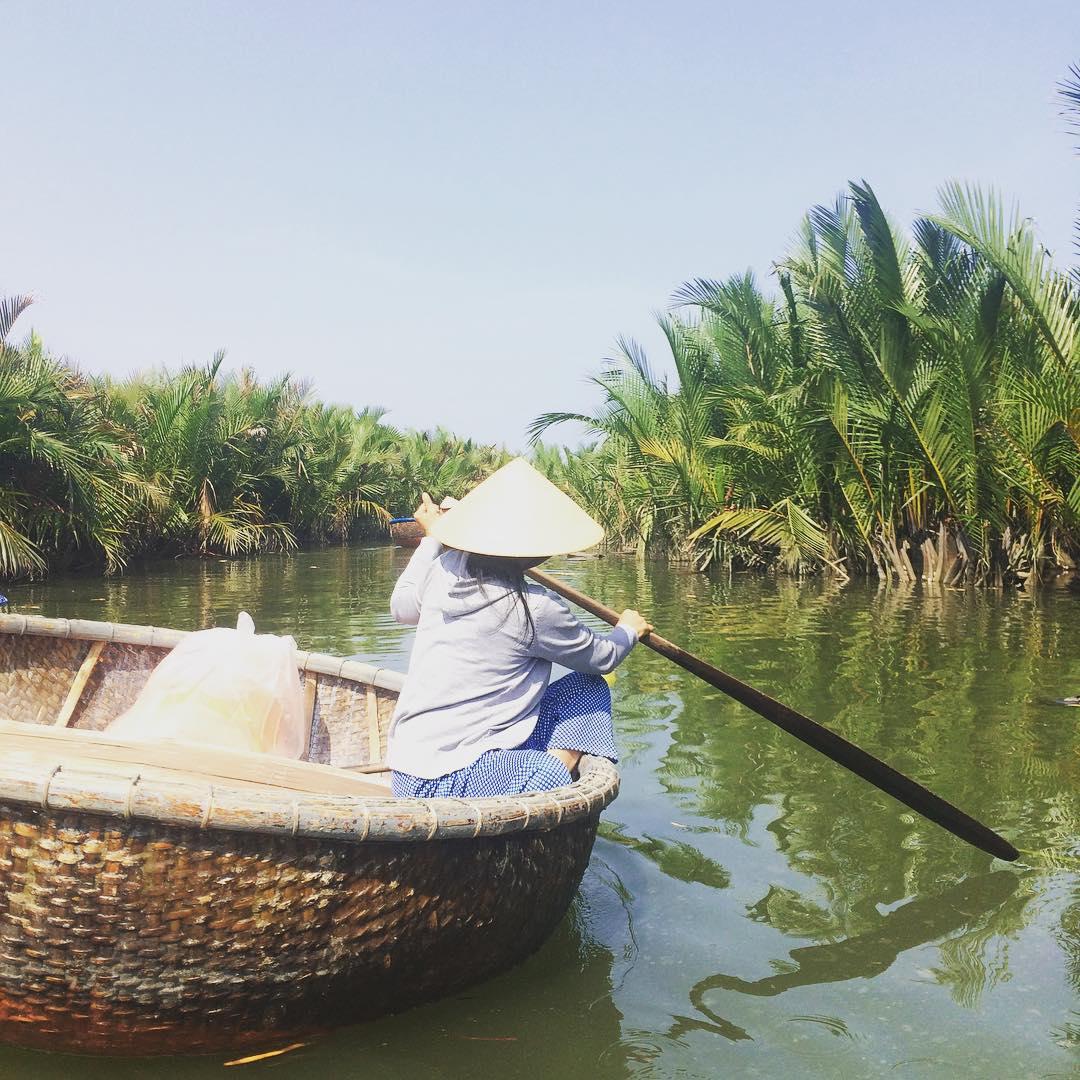 vietnamese idioms - rowing boat