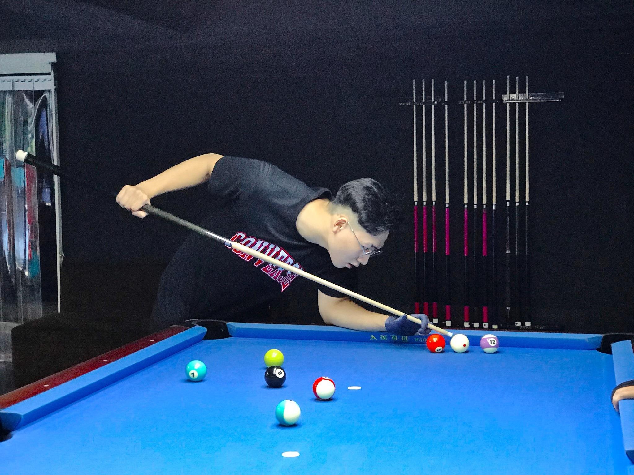 things to do in Hanoi - pool tournament