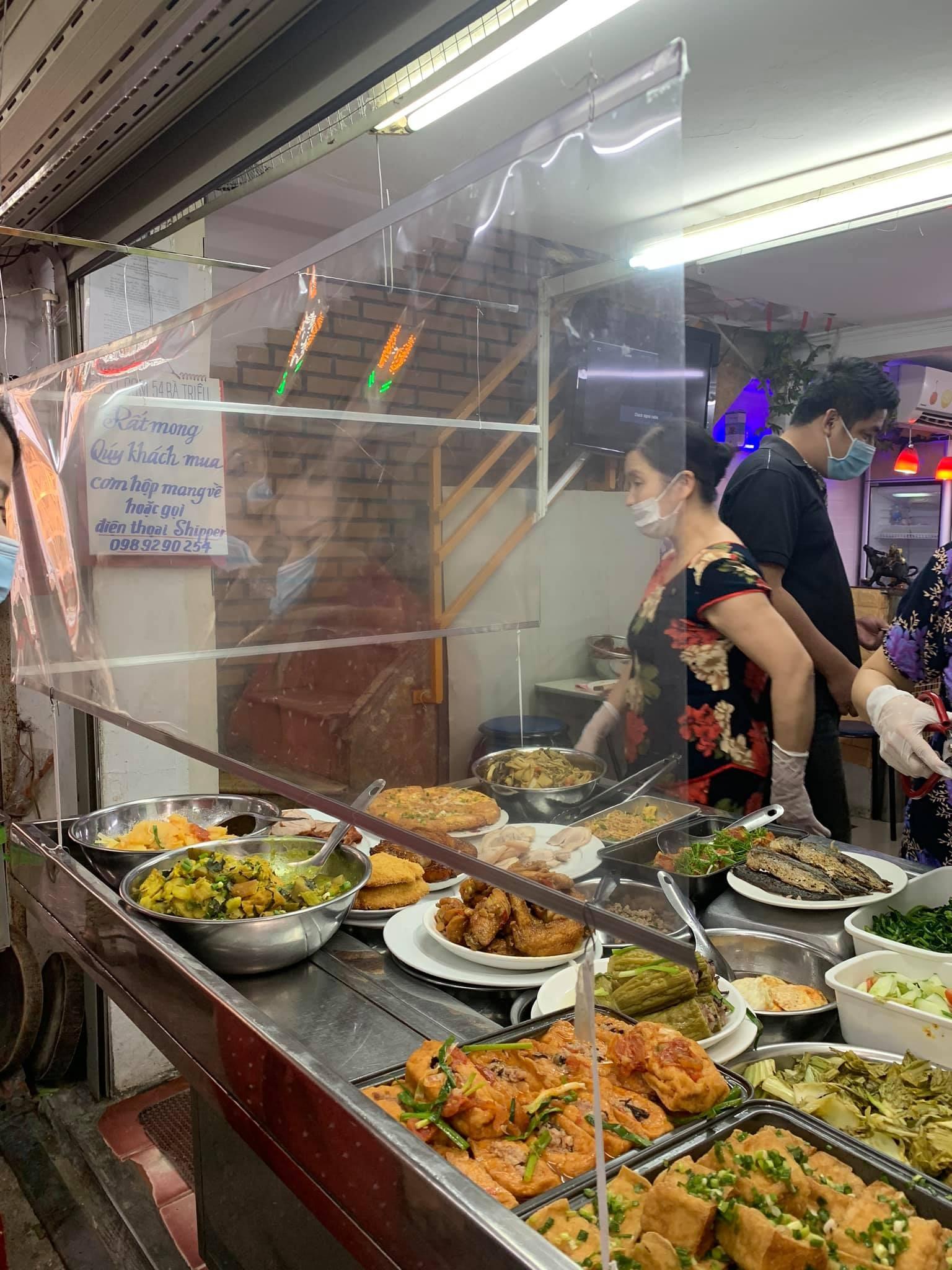 Hanoi F&B_safe distancing