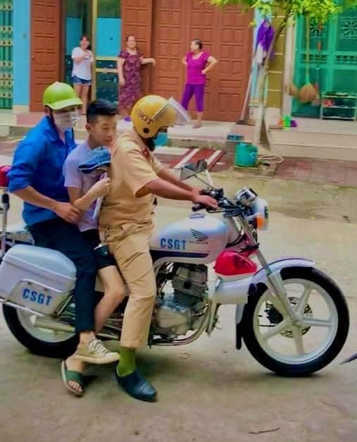 grad exam_police ride