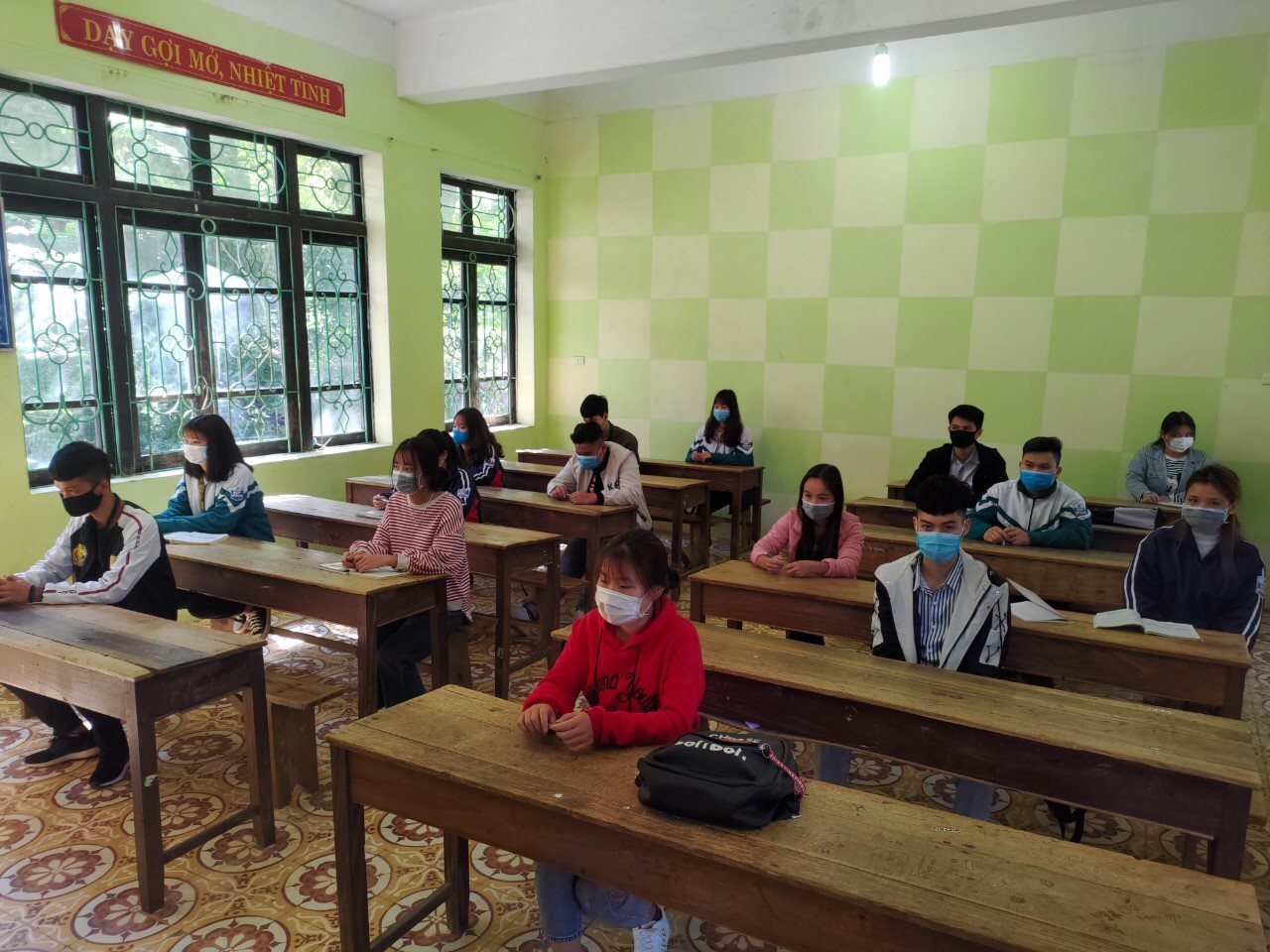 Vietnam 2020 high school grad exam_safe distancing