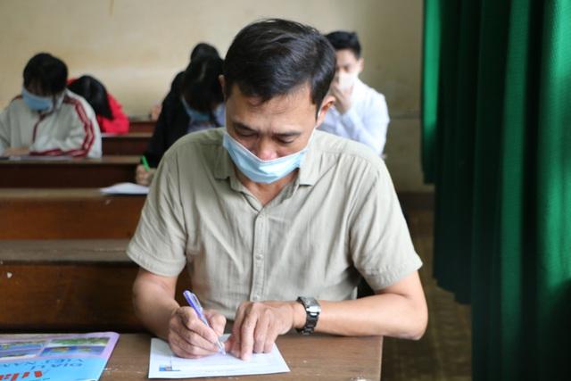 Vietnam grad exam_53 YO student
