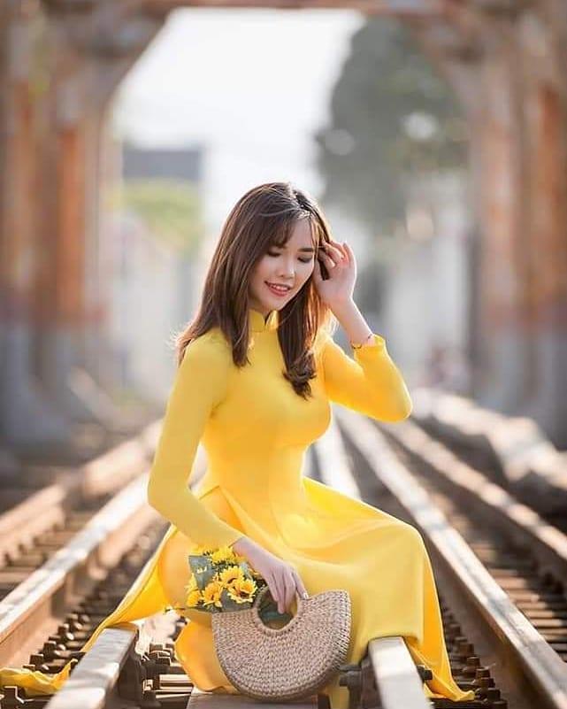 Vietnam souvenirs - ao dai