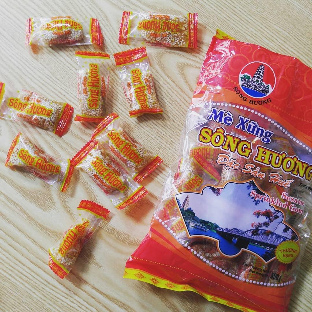 Vietnam souvenirs - me xung