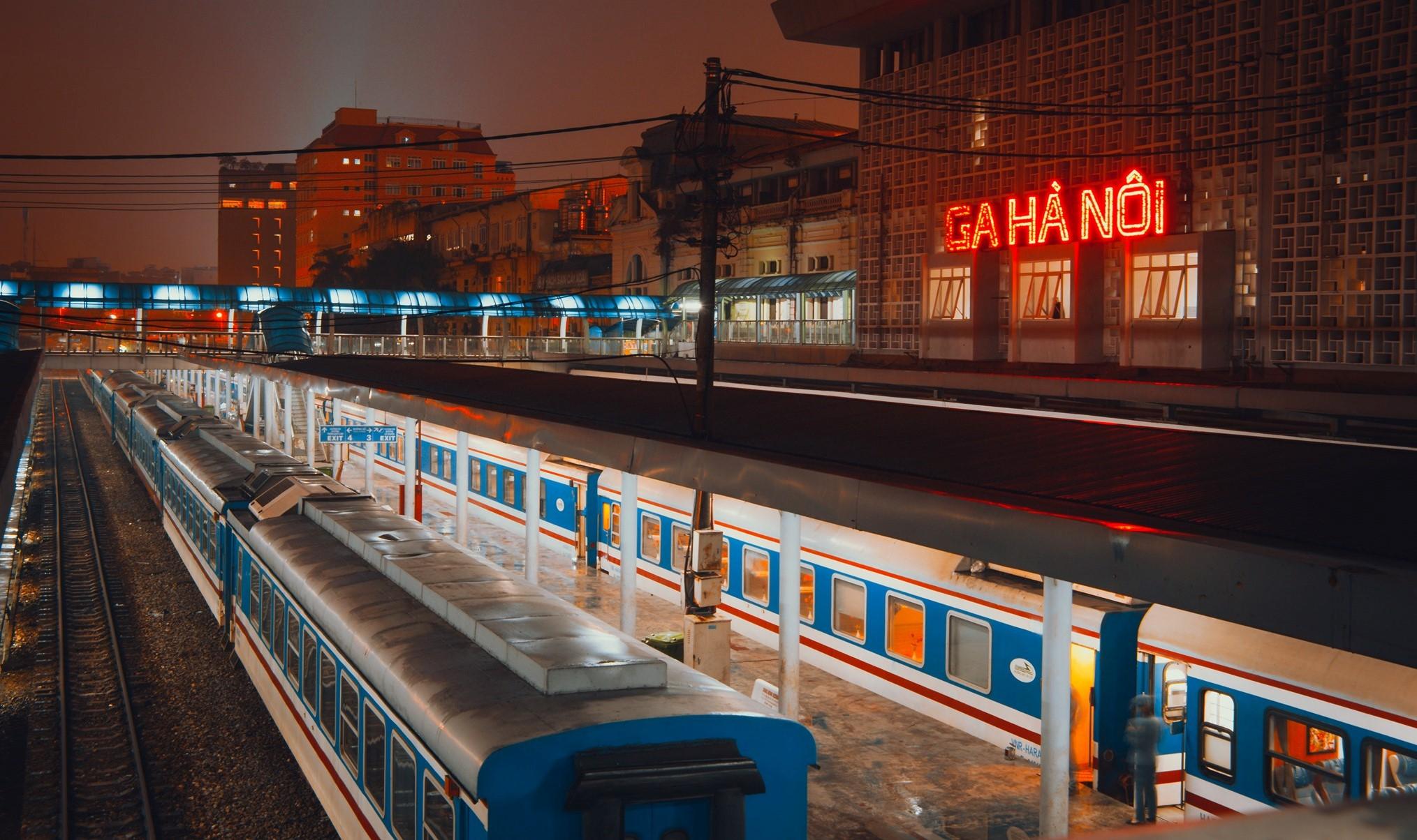 vietnam covid-hanoi railway station