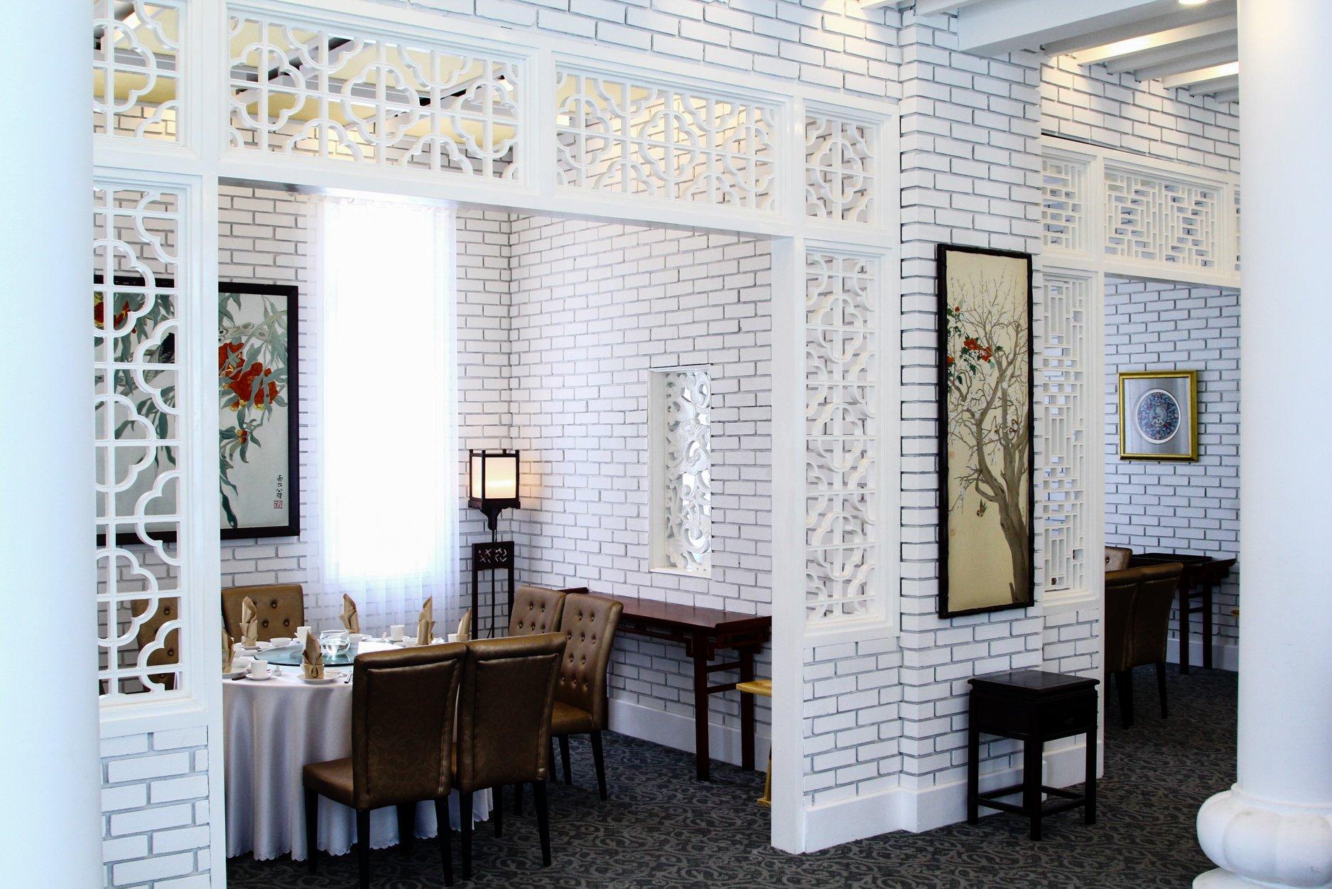 hong kong-themed restaurant shang garden interior