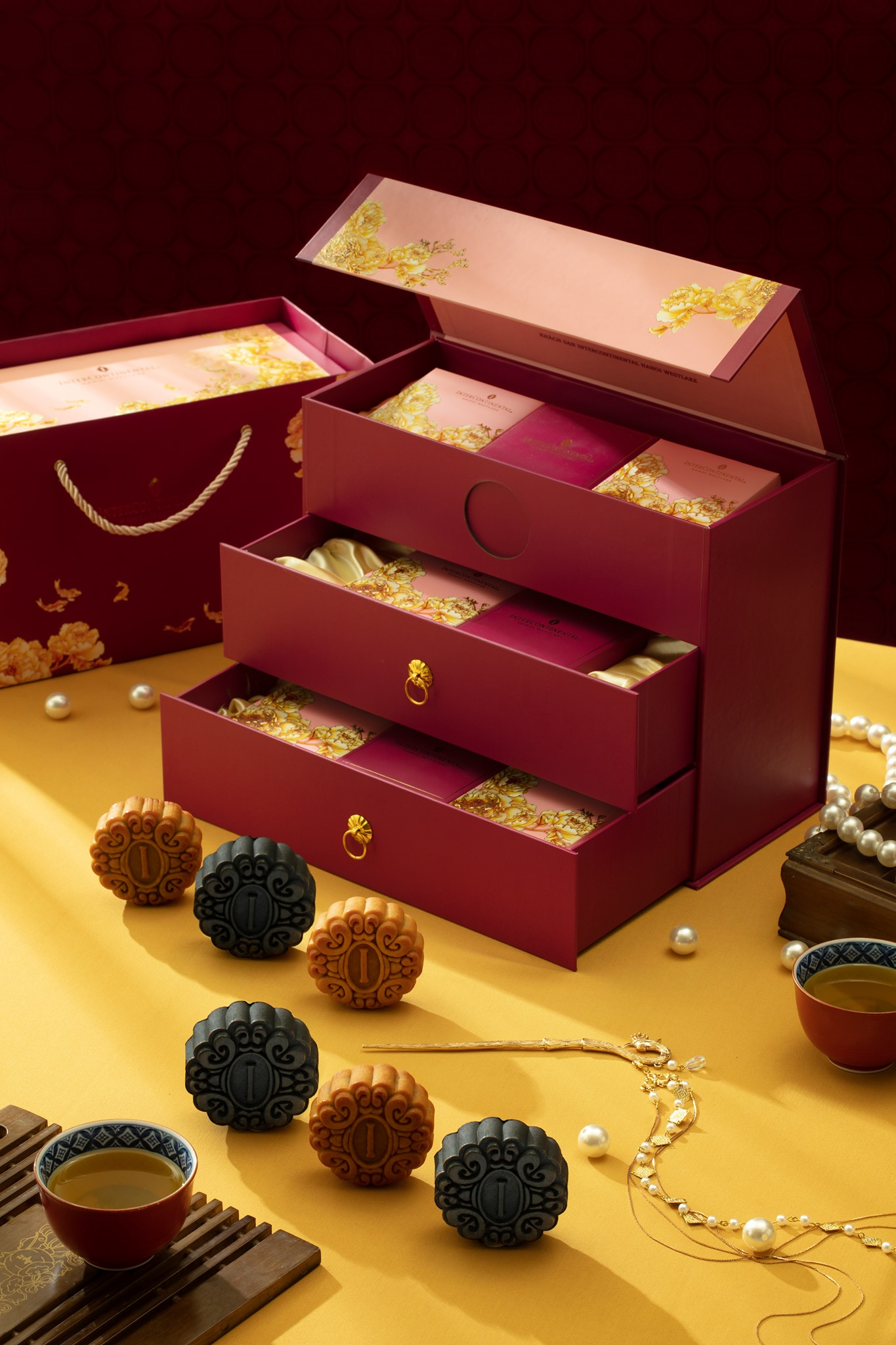 Vietnam mooncakes-Intercontinental
