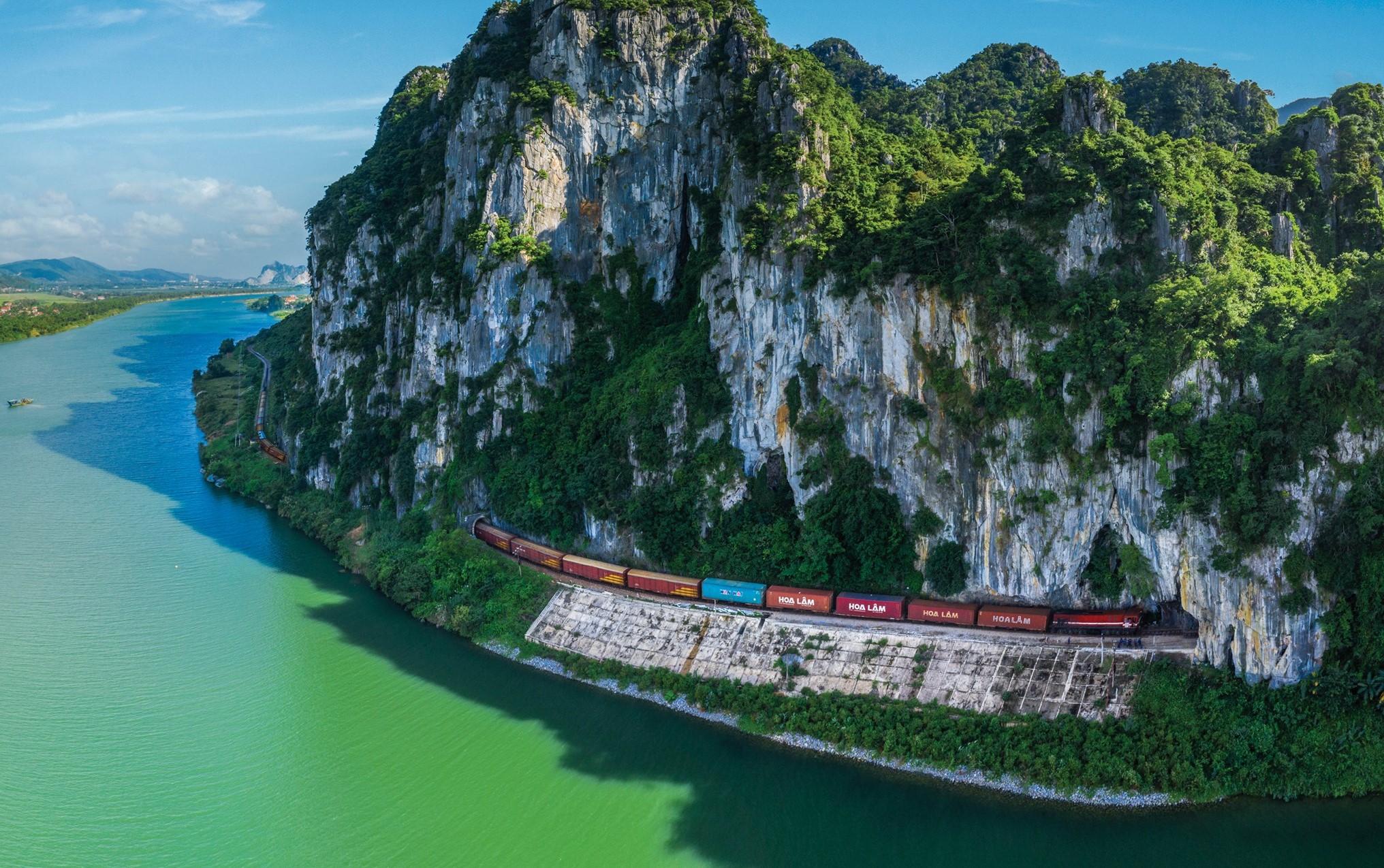 Vietnam railway_quang binh