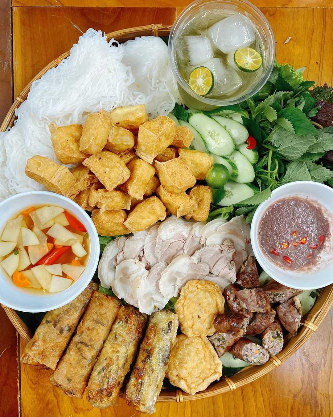 weird vietnamese foods - bún đậu mắm tôm
