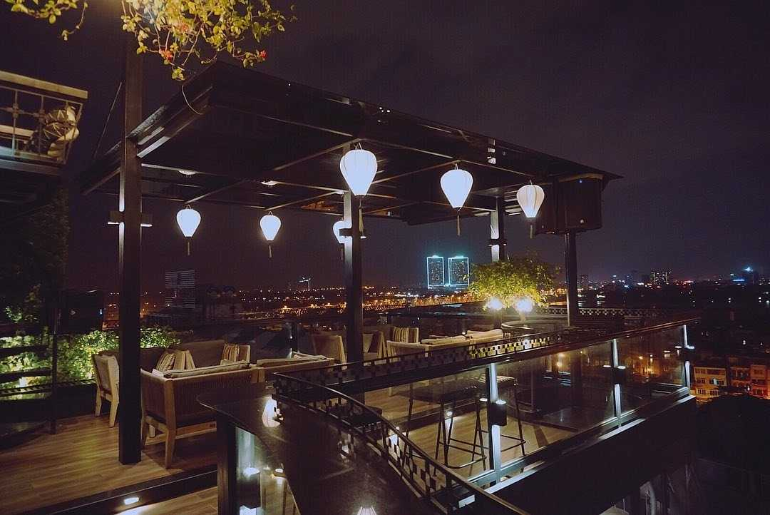 hanoi rooftop bars - diamond sky bar