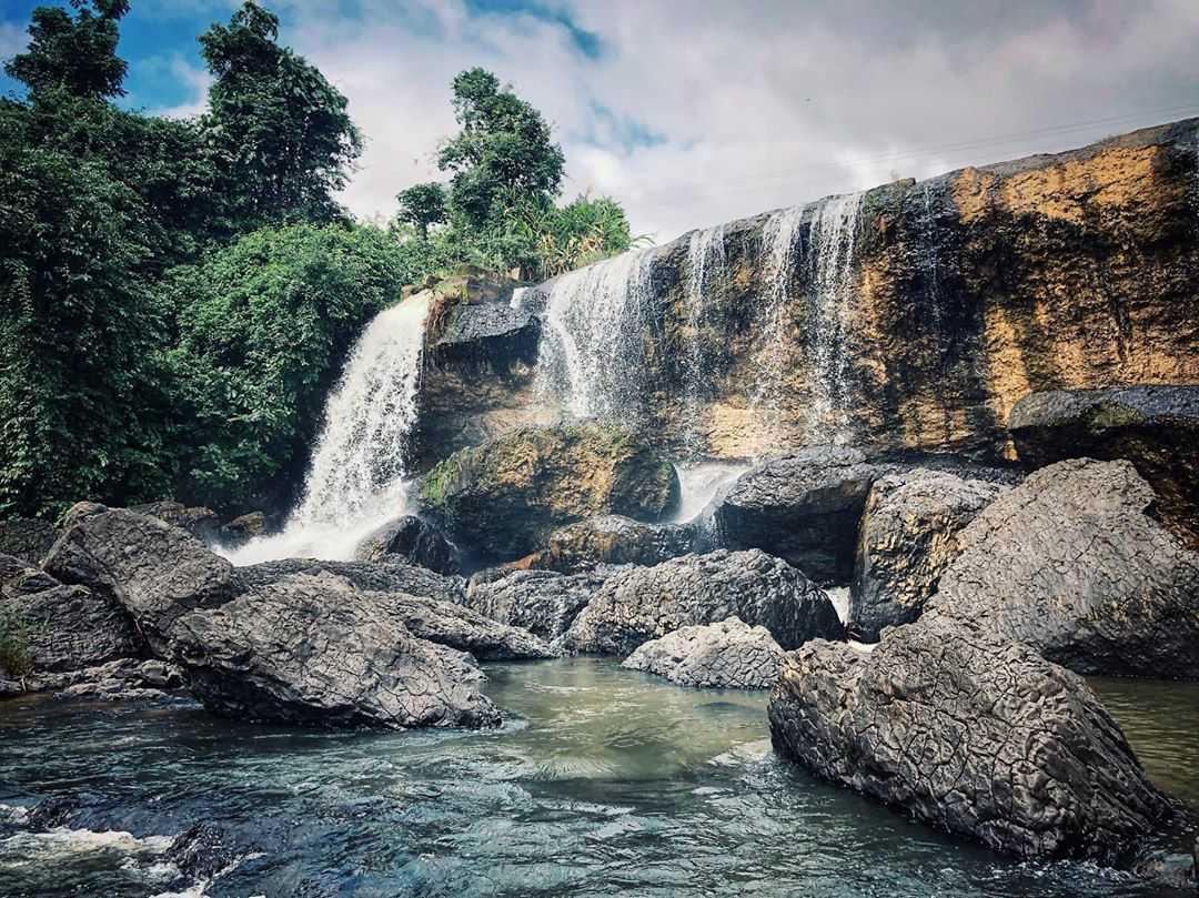 vietnam waterfalls - h'ly waterfall 3