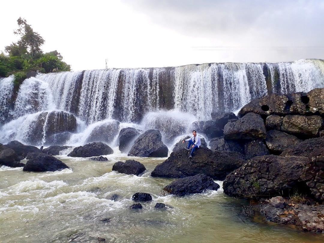 vietnam waterfalls - h'ly waterfall 1