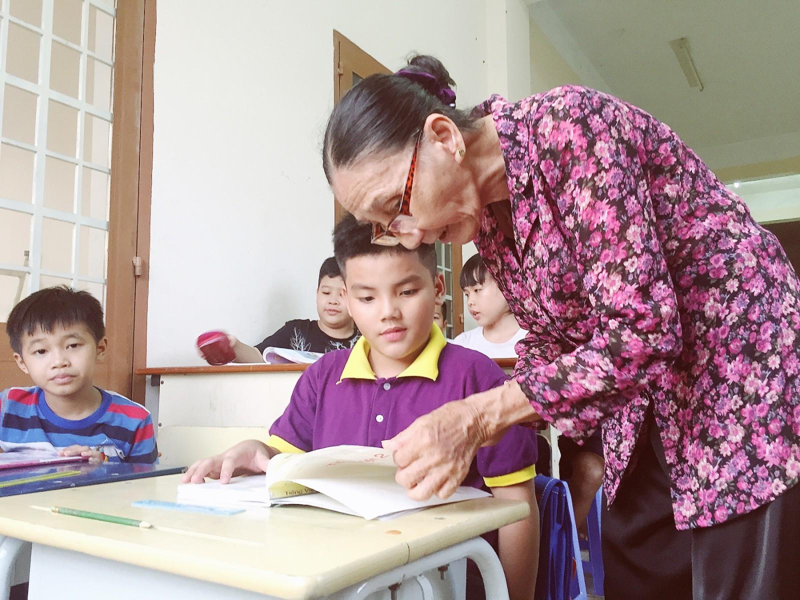 lottery ticket seller_teaching poor children