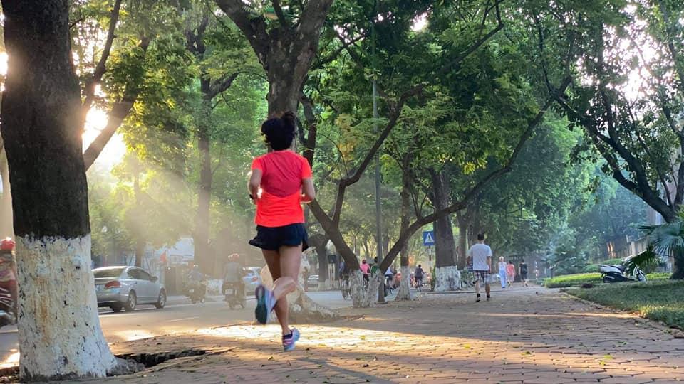 hanoi things to do october - old quarter marathon