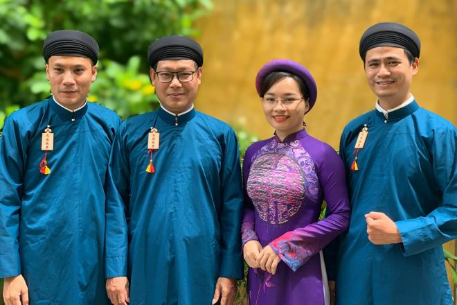 ao dai for men -Hue officials