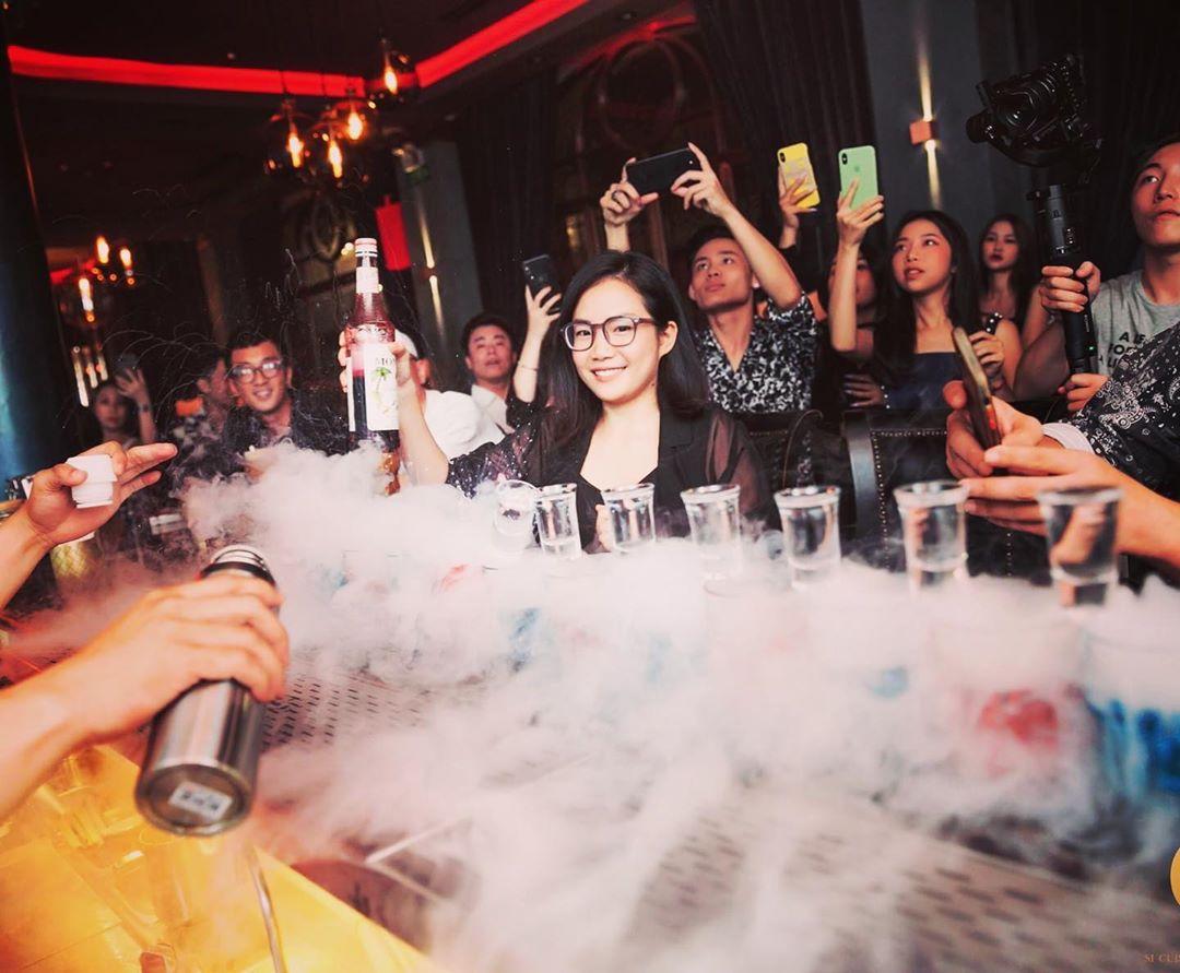 hanoi things to do october - mid-autumn festival bar