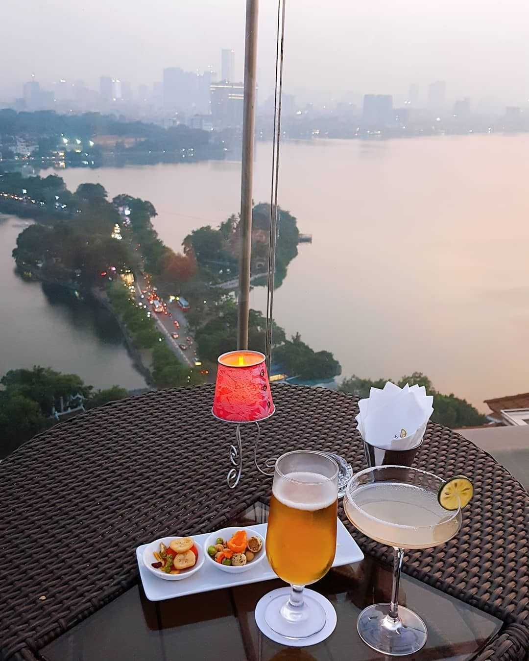 hanoi rooftop bars - summit lounge