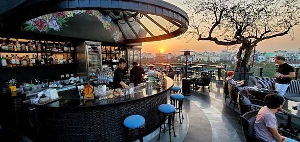 hanoi rooftop bars - terraco sky bar