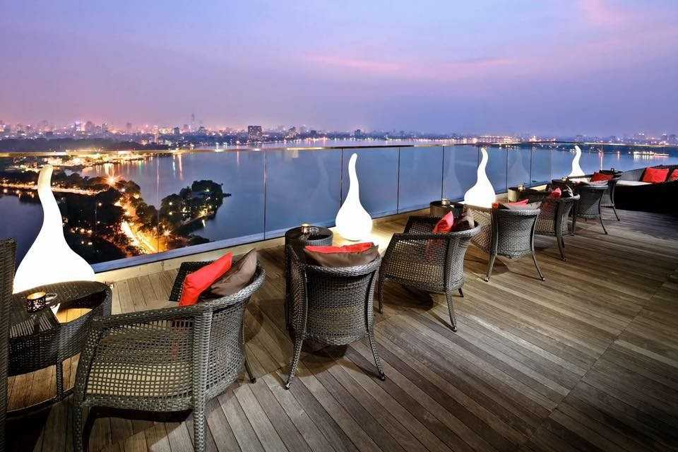 hanoi rooftop bars - summit lounge west lake view