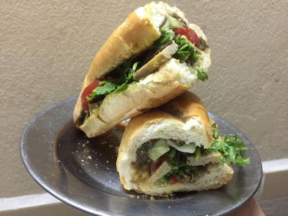 bánh mì hanoi - vegan bánh mì 2