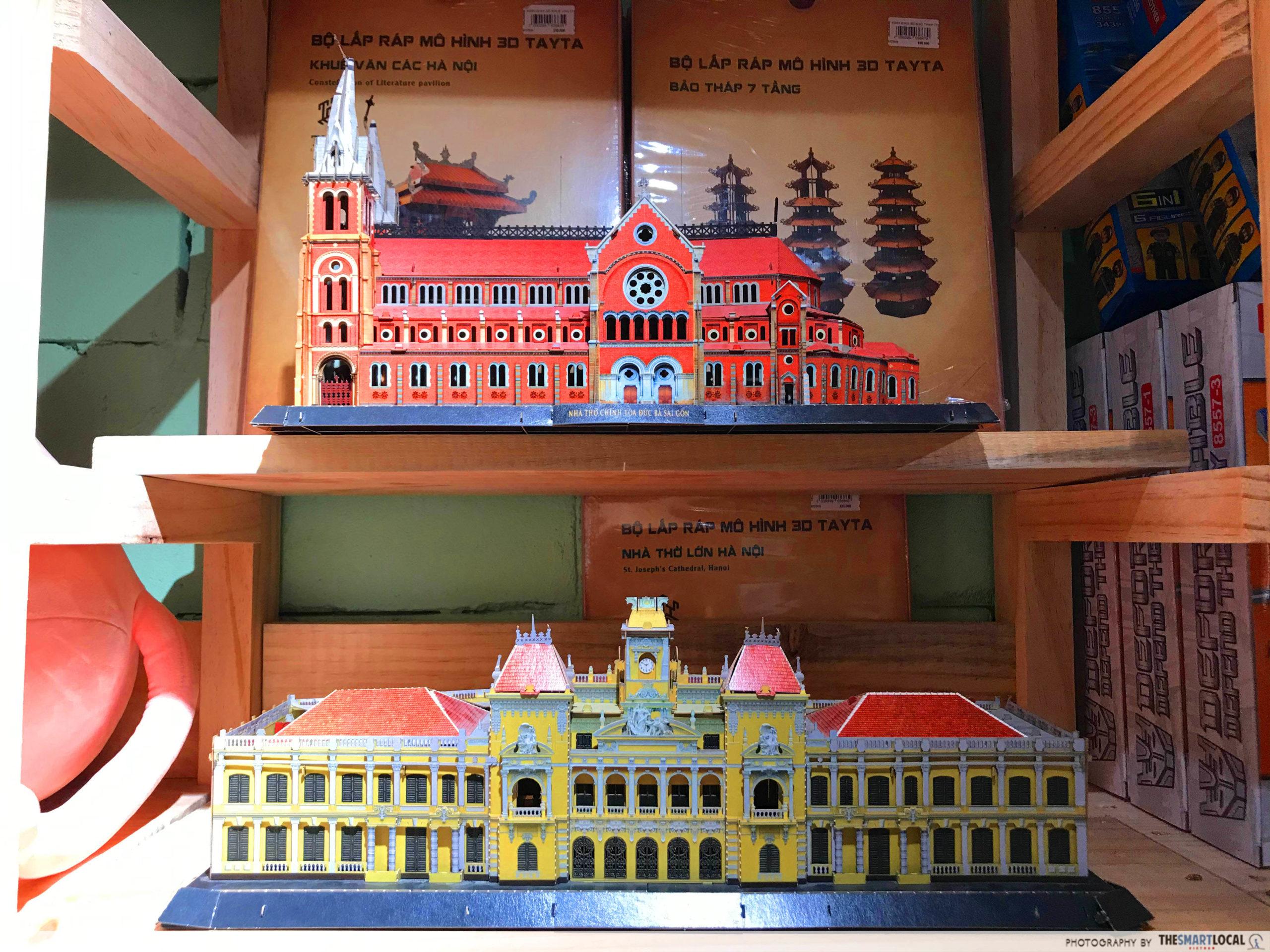 Phuong Nam Book City Saigon Center_toys