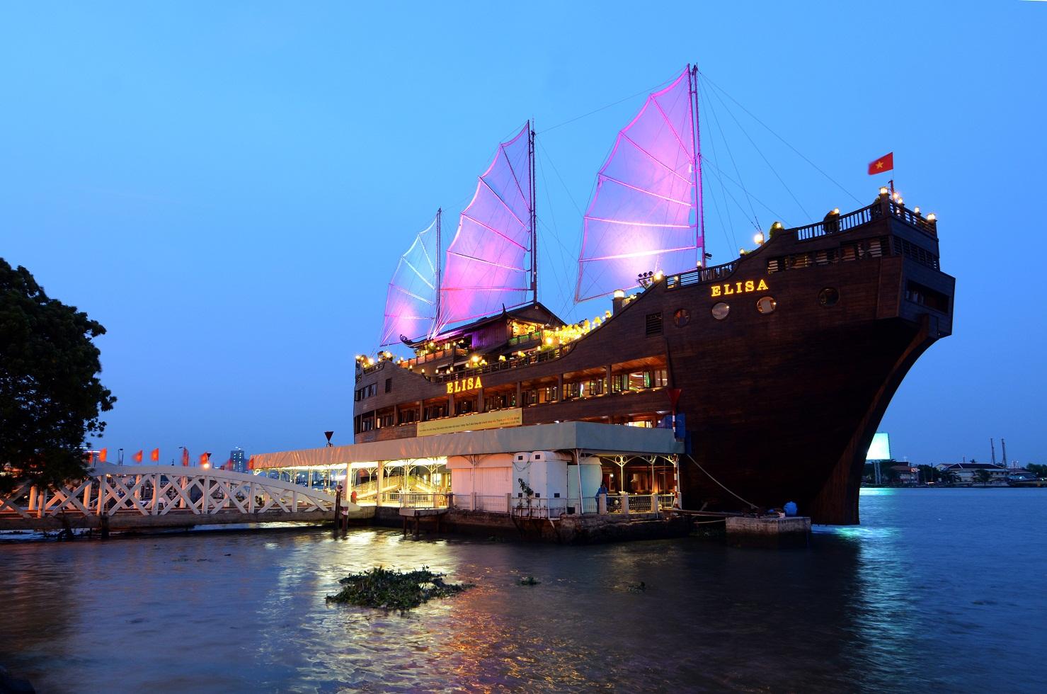 Saigon riverside restaurants_elisa