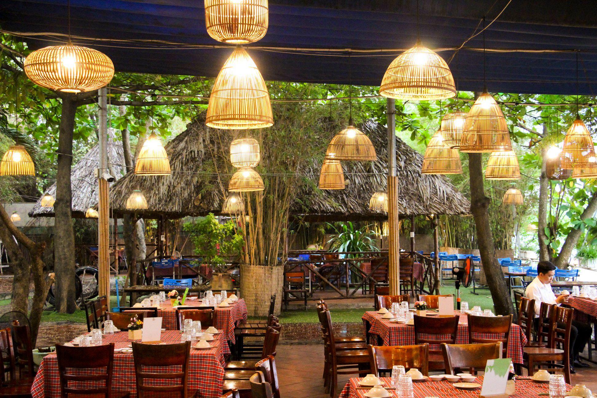 Saigon riverside restaurants_mekong quan