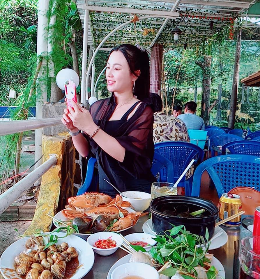 Saigon riverside restaurants_phong cua
