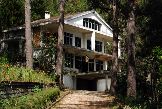 haunted houses Vietnam - Prenn Pass house