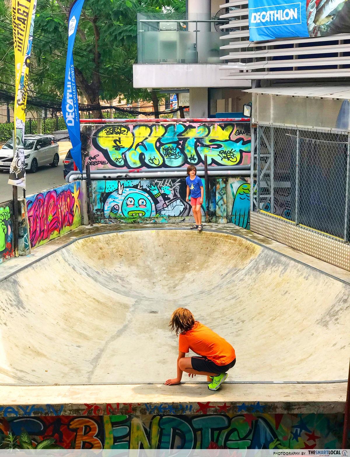 saigon outcast - skating bowl