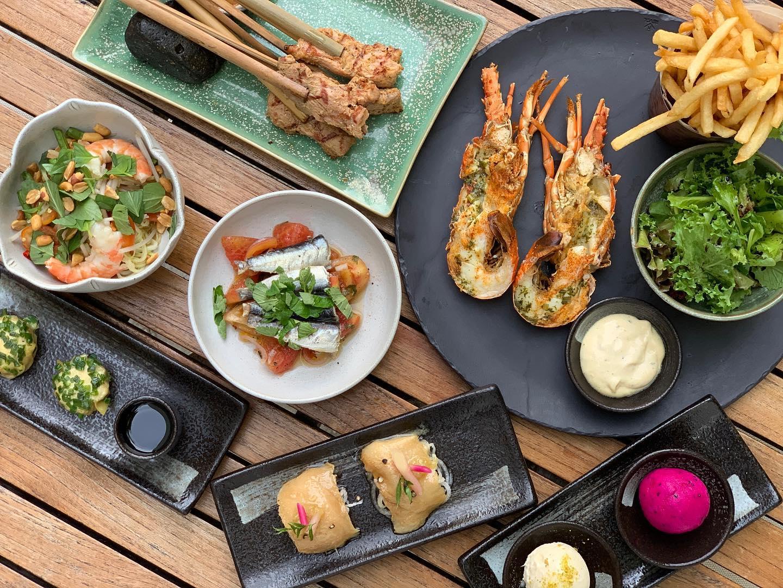 Saigon riverside restaurants_the deck
