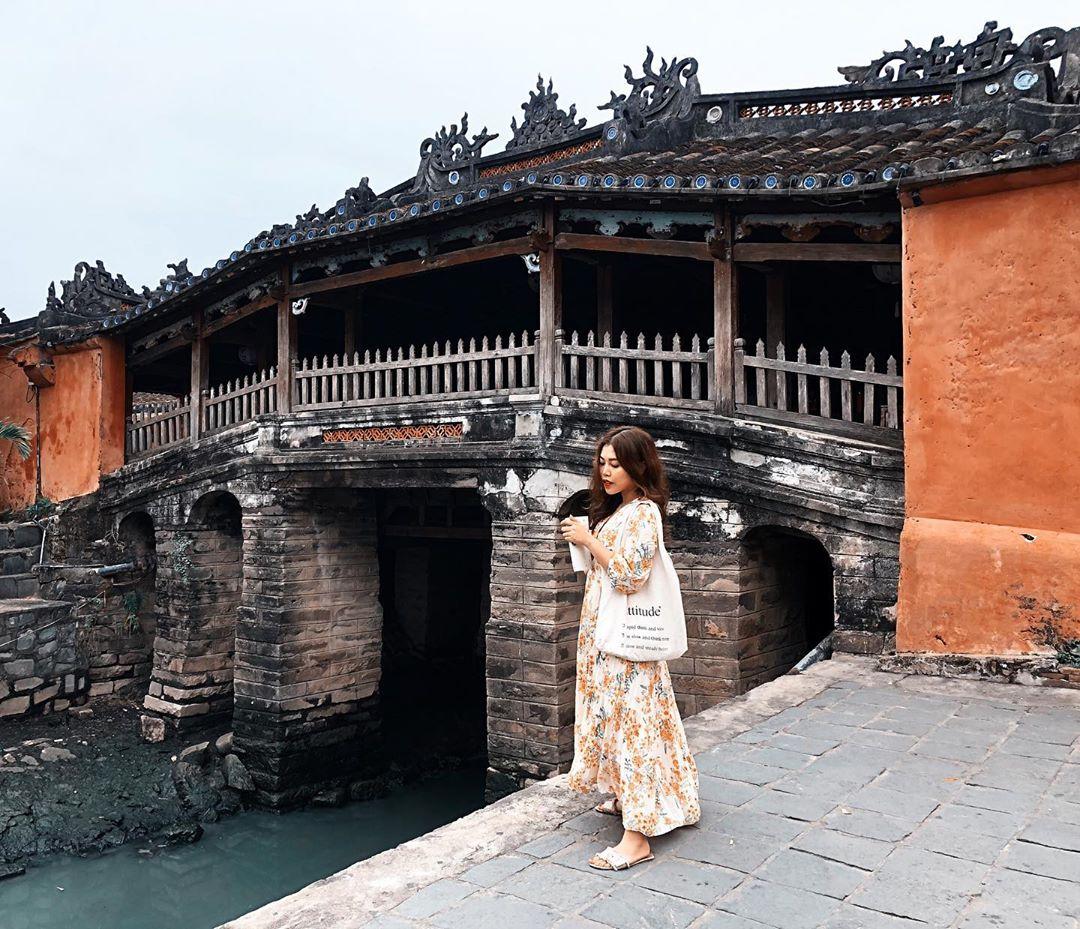 Vietnam pagodas - bridge pagoda