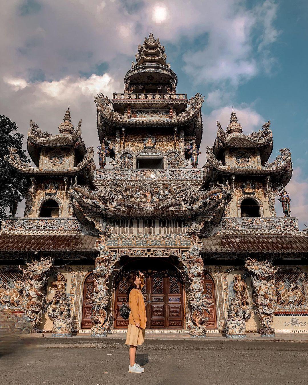 Vietnam pagodas - Linh Phước pagoda