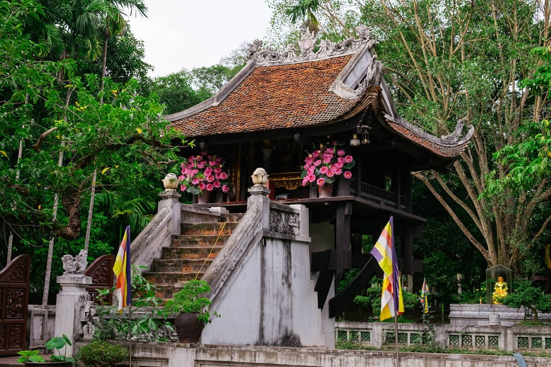 Vietnam pagodas - one pillar pagoda