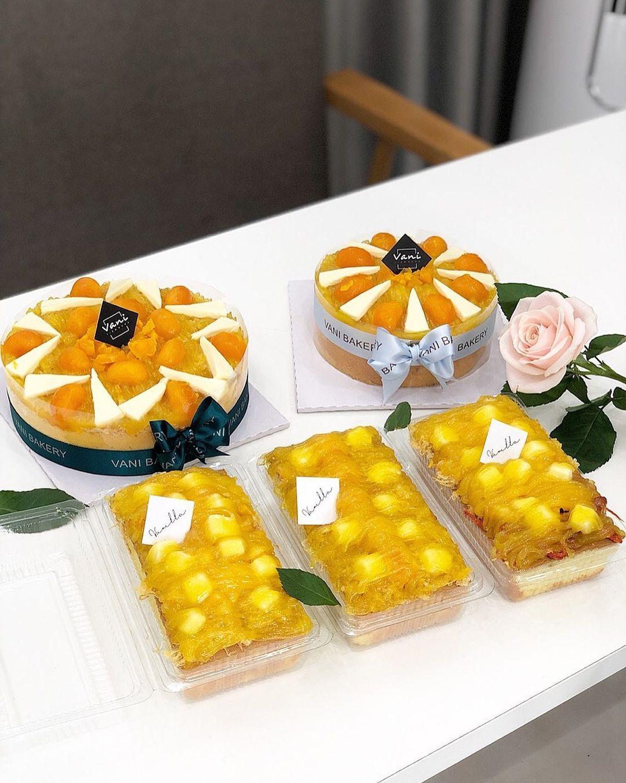 đà nẵng bakeries - salted egg sponge cake