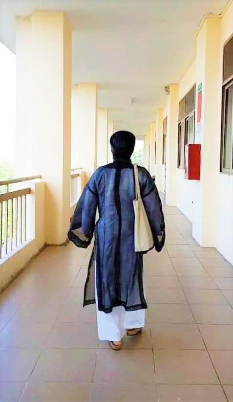 Vietnamese teacher wear ao dai