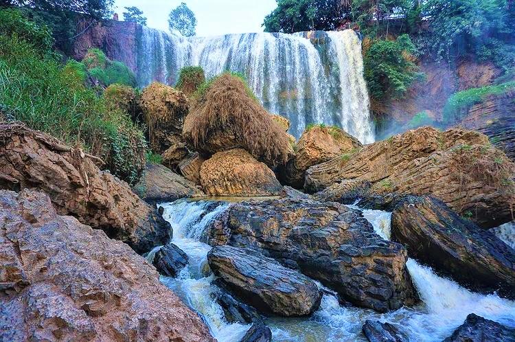 thac voi elephant waterfall