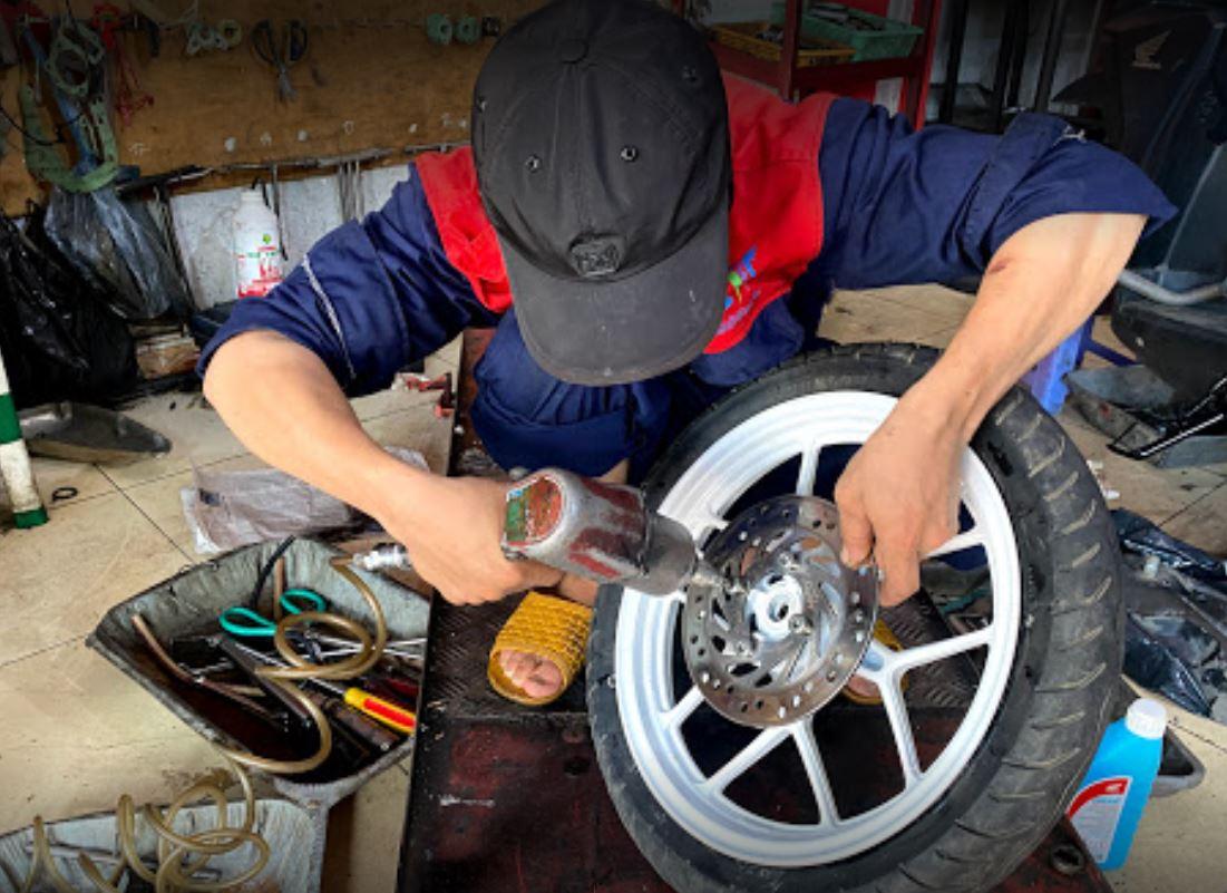 Trung tâm Sơn Sửa Xe Sài Gòn